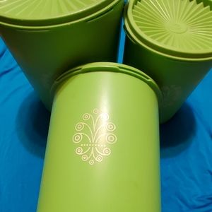 Vintage Tupperware canisters set of 3